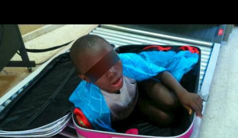 Mediaset producirá una miniserie sobre Abou, 'El niño de la maleta'