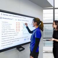NEC mejora la interactividad con nuevas pantallas multitáctiles de gran formato