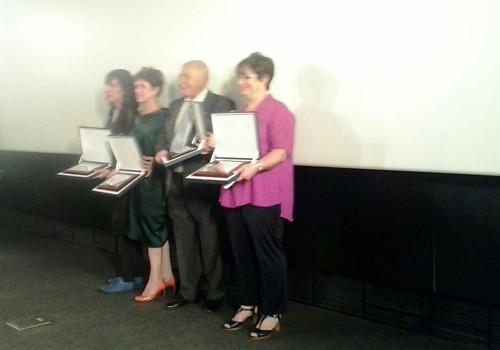 La directora de Cinevent, Paco Ardura, Nieves Maroto y Teresa Isasi, Profesionales homenajeados por la Academia