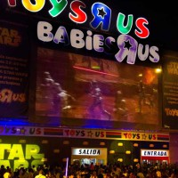 La fuerza de Star Wars tomó ímpetu anoche en Toys 'R' Us Majadahonda