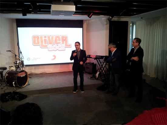 Oliver-Rock-serieniños