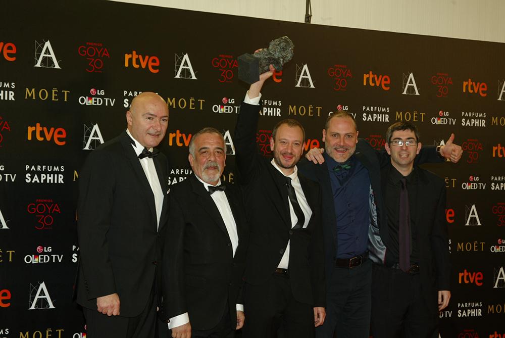 José Luis Montesinos y sus compañeros con el Goya al Mejor Cortometraje Documental por El Corredor