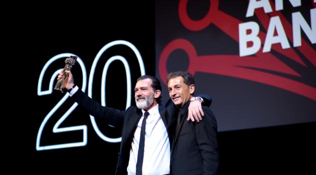 Antonio Banderas recoge el premio Biznaga de Oro Honorífica