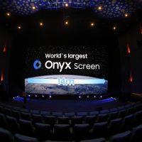 La pantalla Onyx de Beijing es la primera instalación de Samsung de su nuevo modelo de 14 metros de ancho.