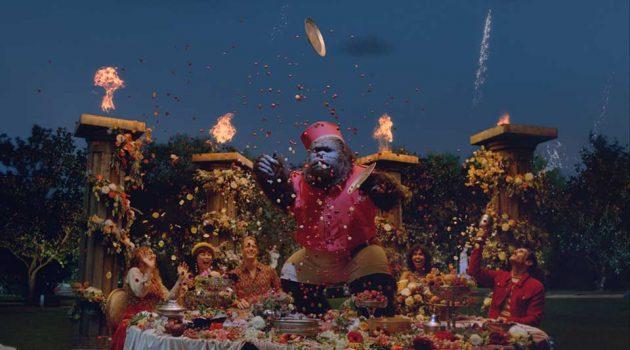 La campaña 'La historia de un sorbo de Royal Bliss' acerca  el universo de mixers al mundo del arte