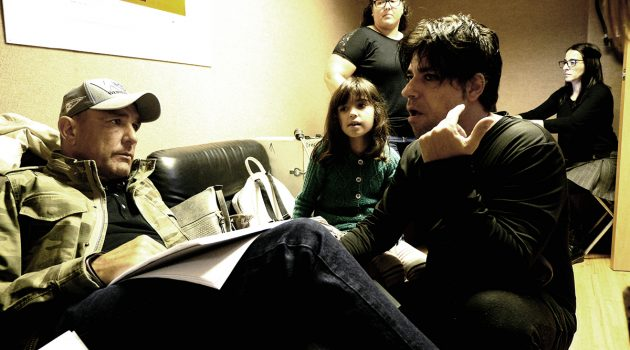 Vinnie Jones y Jaime Falero preparando el rodaje de 'La desgracia de Ron Hopper'.