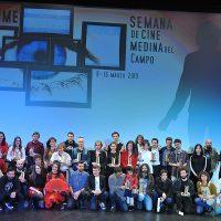 Foto de familia con los ganadores de la 32ª edición de la Semana de Cine de Medina del Campo.