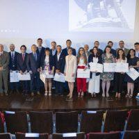 Imagen con los galardonados en los Premios COIT-AEIT 2019.