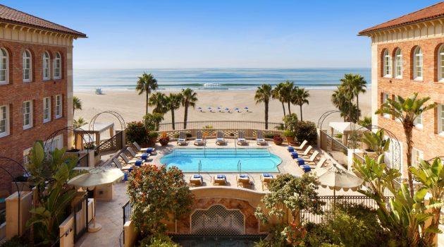 El Hotel Casa del Mar acoge hoy el cóctel de bienvenida organizado por la Oficina de Turismo de Los Ángeles.
