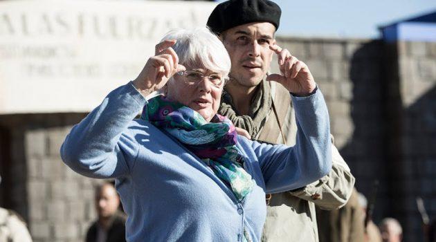 Mar Targarona durante el rodaje de su anterior largometraje, 'El fotógrafo de Mauthausen'.