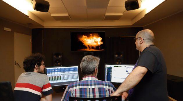 Eduardo Castro, Alberto Ovejero y Pelayo Gutiérrez en una de las dos salas Dolby Atmos Home de Telson.