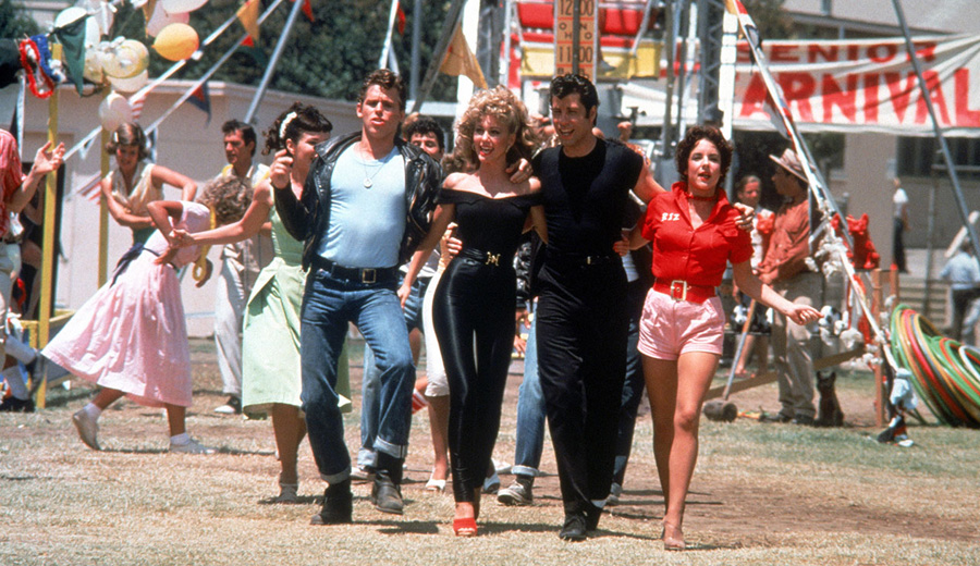 'Grease' (1978), la película que inaugura la reapertura del Autocine Madrid RACE.