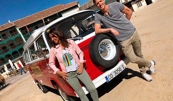 Telemadrid ya graba 'Dos en la carretera', con Carmen Alcayde y Óscar Martínez
