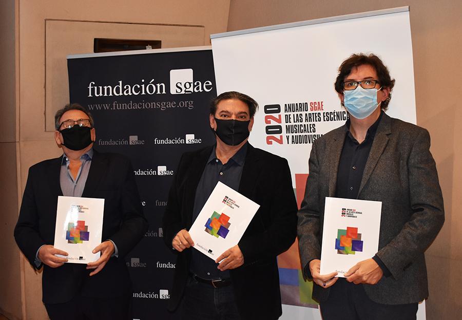 De izquierda a derecha, Juan José Solana, Antonio Onetti y Rubén Martínez en la presentación del Anuario SGAE 2020.
