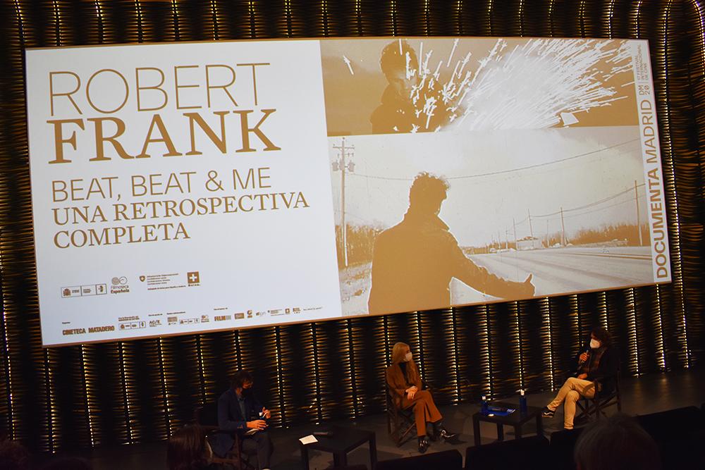 Carlos Reviriego hablando de la retrospectiva de Robert Frank