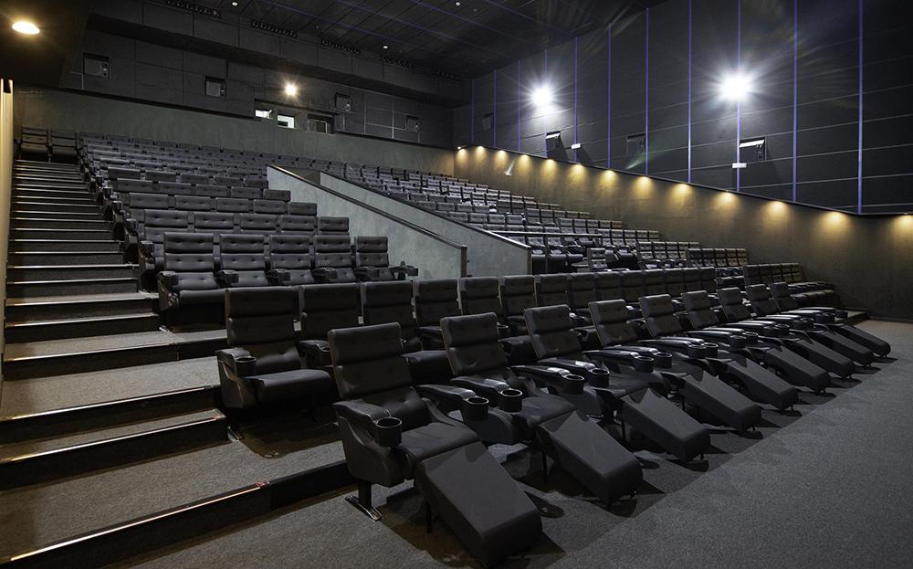 Sala en el complejo MK2 - Cinesur Conquistadores de Badajoz (Foto: Desiderio García)