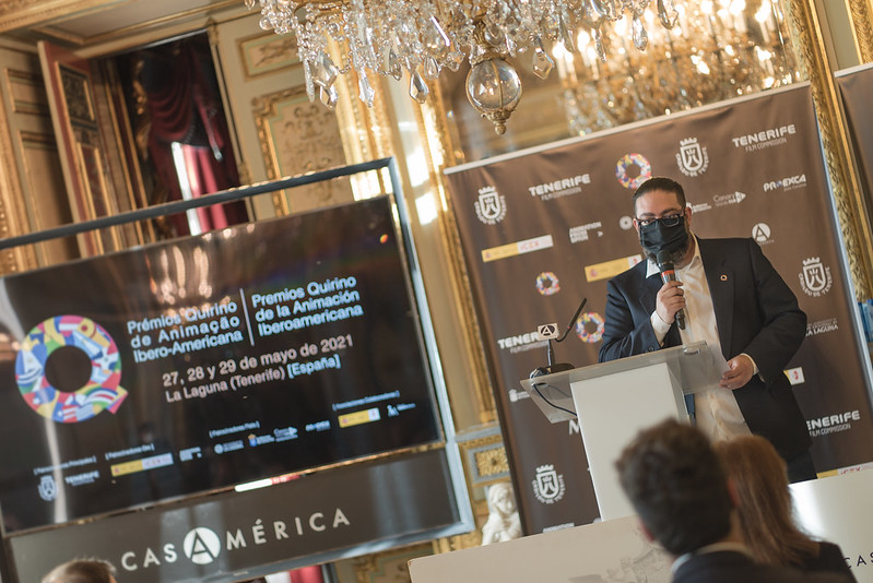 José Luis Farias, director de los Quirino, en la presentación de los finalistas de esta edición en Casa América (© Andrés García de Santos)