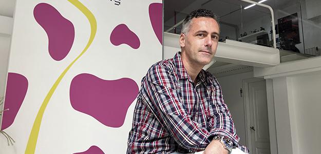 """Borja Pena: """"Ningún seguro en España te cubre que un actor se ponga enfermo de COVID y tengas que parar el rodaje"""""""