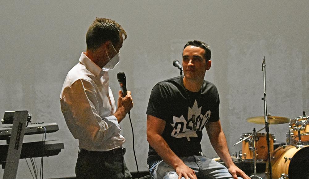 José Antonio Portugal de Dolby (izquierda) y JaviZone