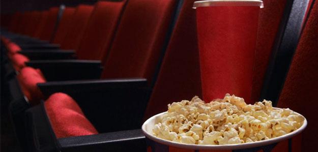 La justicia de La Rioja levanta la prohibición de beber y comer en las salas de cine