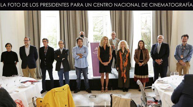 Esta es la gran foto de familia de la industria audiovisual española. Desde hace más de 20 años, CINEINFORME aboga por crear un ente como el CNC francés sobre la base de estos presidentes, que representan el 80% de la fuerza del mercado en España (© Festival de San Sebastián).