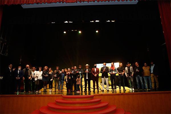 Mateo Gil recibe el primer Spirit of the West del Almería Western Film Festival 2021