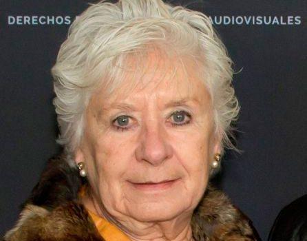 ATRAE reconoce la labor de Ana María Simón con el premio Xènia Martínez