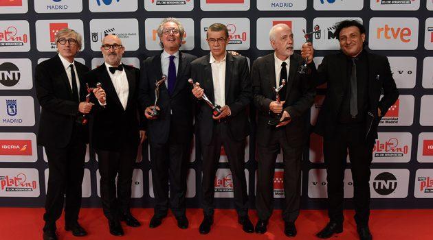 El equipo de la colombiana 'El olvido que seremos' con sus 5 premios.